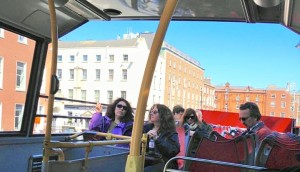 Ireland open air bus (2)