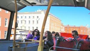 Ireland open air bus (2)